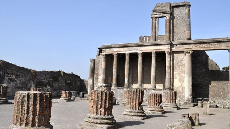 Weszła na dach term w Pompejach. Turystce grozi rok więzienia