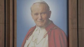 """""""Jan Paweł II pozytywnie wpłynął na historię świata"""". Ponad 200 profesorów broni papieża"""