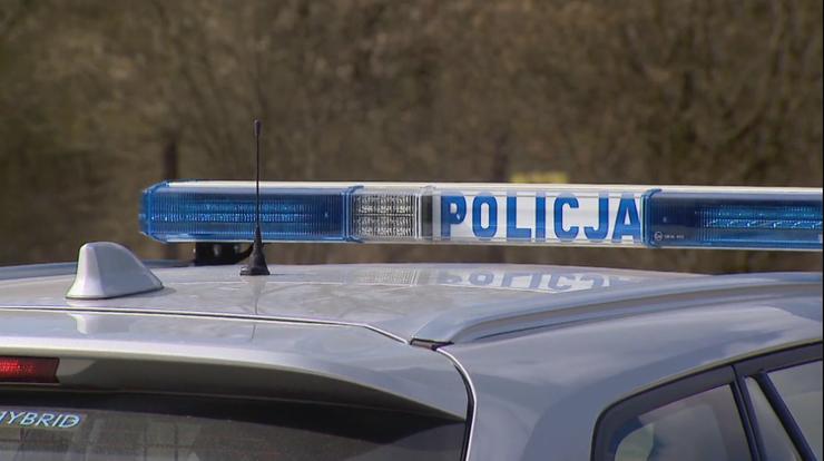 Jarocin: wysłała policję do mieszkania rodziców. Znaleziono martwego ojca i umierającą matkę