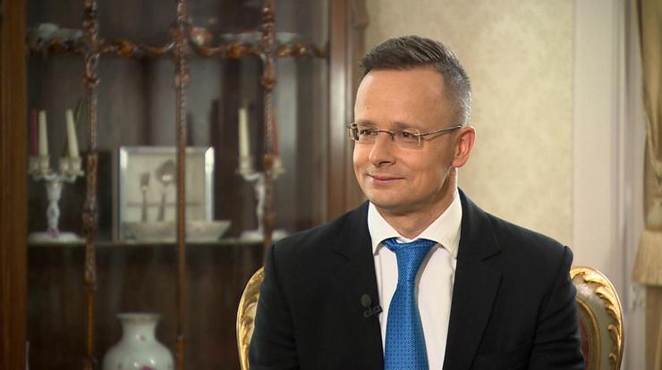 """Grupa Wyszehradzka wprowadzi własne """"paszporty szczepionkowe""""? To propozycja Węgier"""