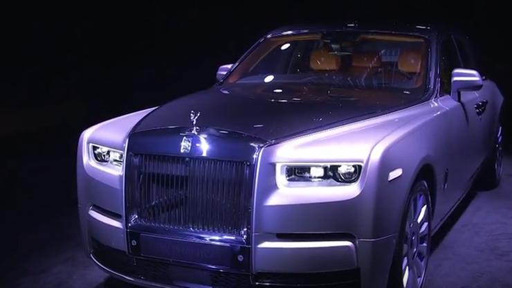 Nowy Rolls Royce. Z miejscem na biżuterię i trójwymiarową mapę własnego DNA